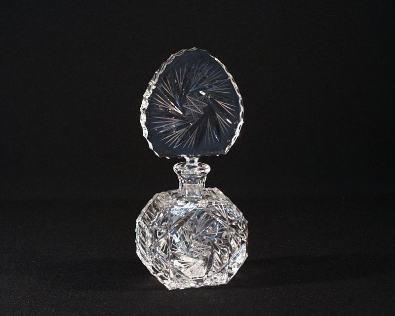 crystal schneiden flakon 56113 1 26008 017 tom crystal bohemia spr hflaschen und flaschen. Black Bedroom Furniture Sets. Home Design Ideas